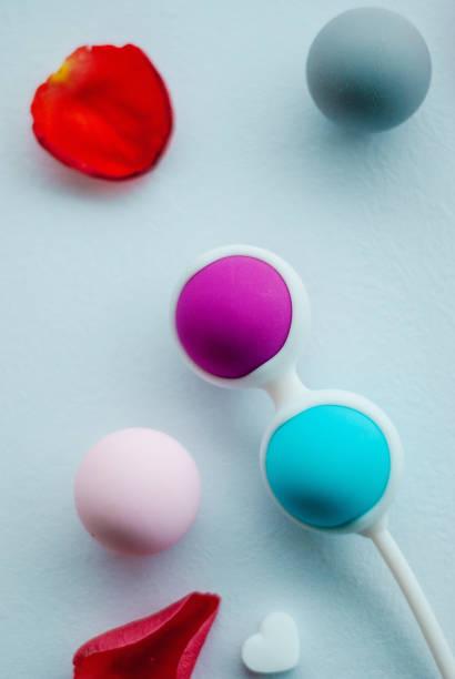 ejercicios kegel con bolas chinas