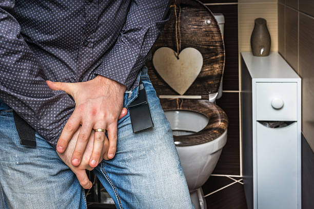 hombre con incontinencia urinaria